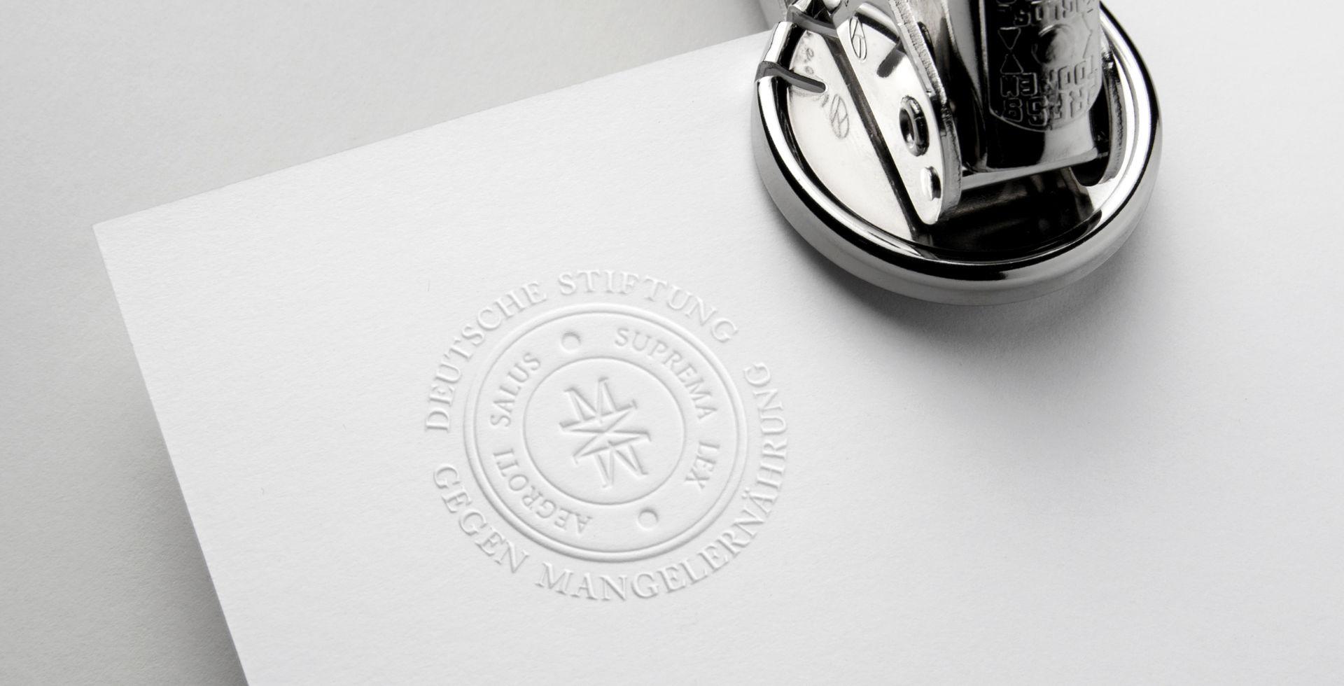 http://Logo%20für%20eine%20medizinische%20Stiftung